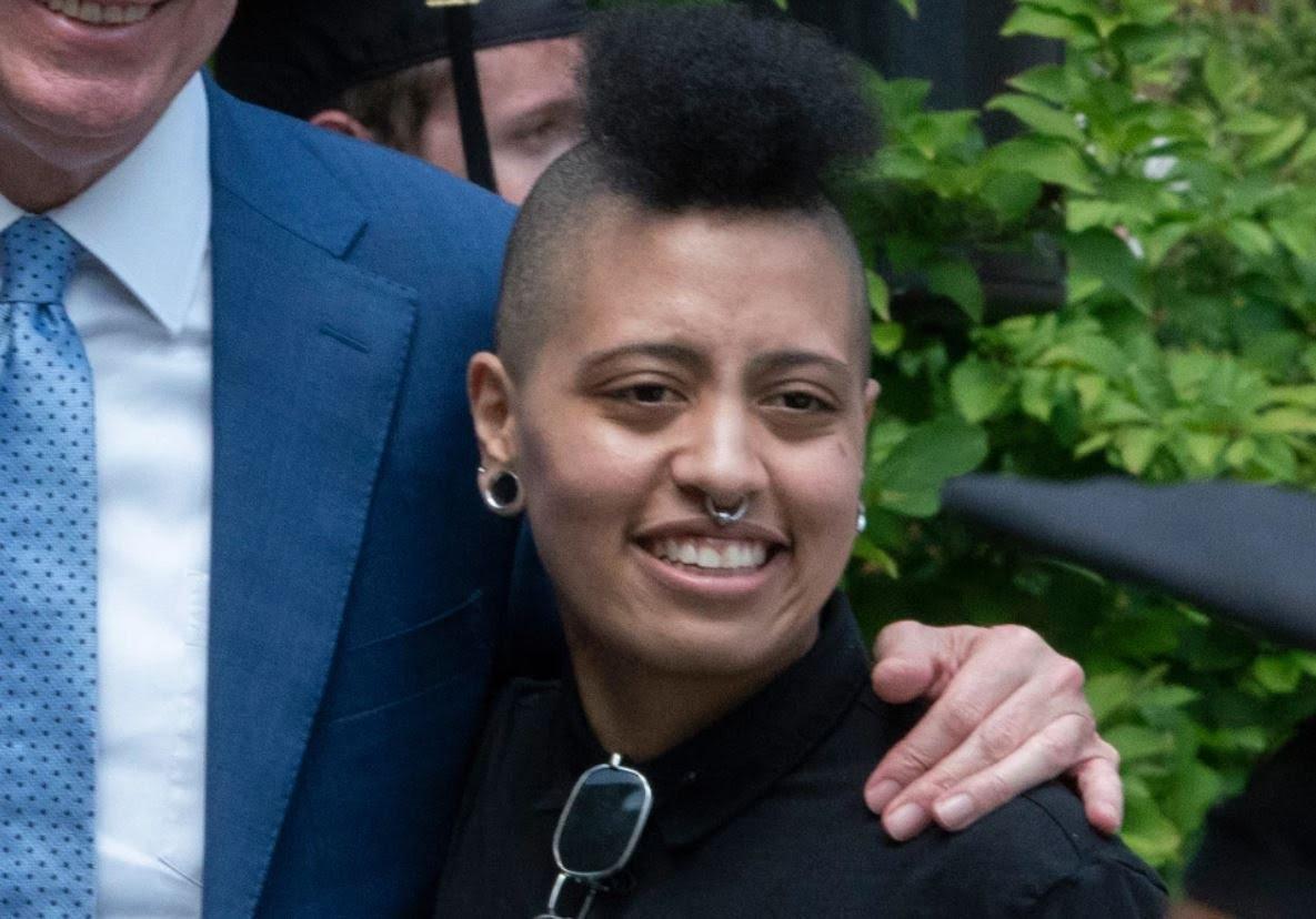 Belediye başkanının kızı Chiara de Blasio'nun da gösterilerde gözaltına alındığı ortaya çıktı.